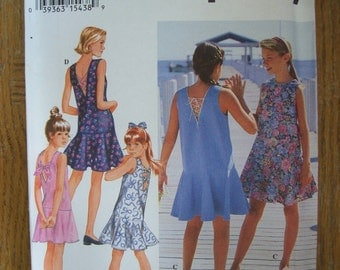 Simplicity 8998, Girls Pullover Dress, Girls Sleeveless Dress