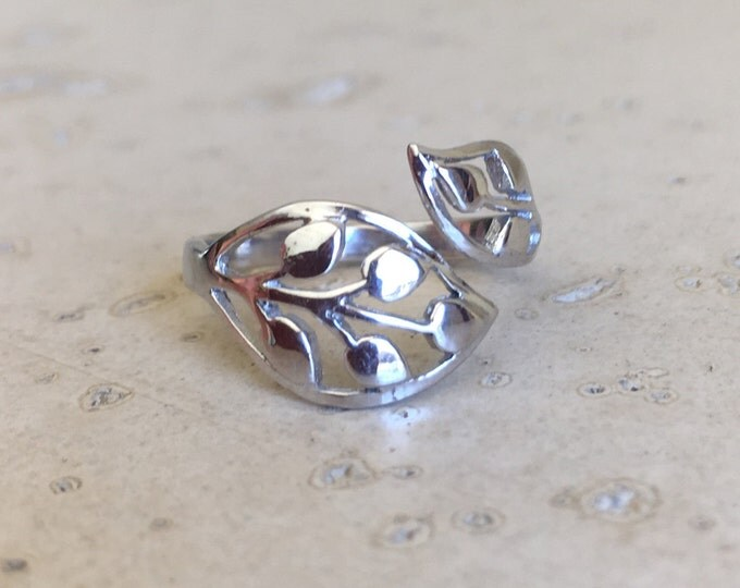 Silver Leaf Ring- Vine Ring- Dainty Silver Ring- Adjustable Silver Ring- Sterling Silver Leaf Ring- Tree of Life Ring