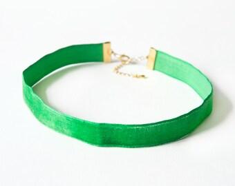 ZELDA - Emerald Vintage Velvet Choker Necklace