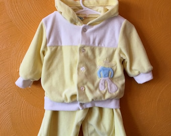 Vintage boy two piece velour jump suit, yellow, with cowboy, retro baby boy outfit. toddler vintage Size 18/24M