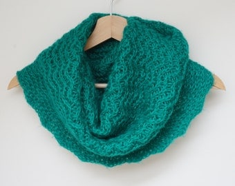 Cowl green wool knit knitted Infinity Loop Shawl scarf circular ooak neckwarmer handmade grass emerald scalloped openwork