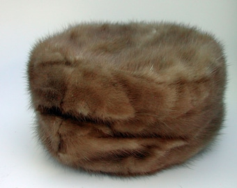 1960s Vintage Mink Pill Box hat for a Small Head