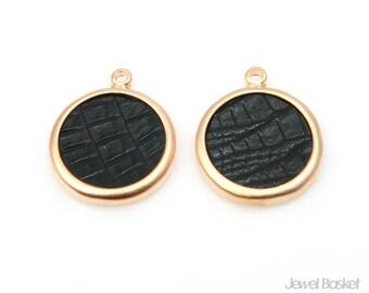 Black Leather Round Pendant in Matte Gold Frame / 17.5mm x 21.5mm / BBLMG273-P (4pcs)