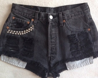 Levis jeans shorts blogger studded studs blogger look