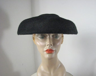 1940/50s Black Fur Felt New Look Hat   ONE SIZE Fits Most