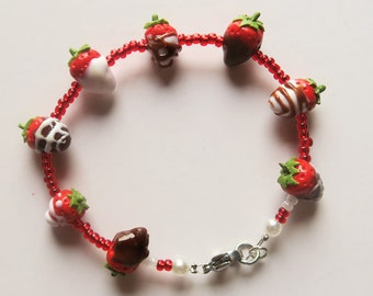 Chocolate covered strawberry bracelet - mothersday, valentine gift, fruit jewelry, food jewelry, miniature food, birthday gift