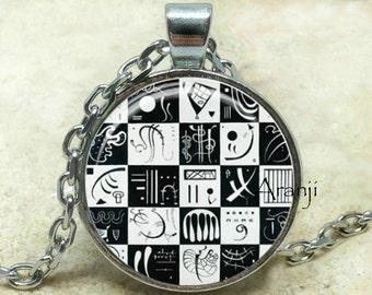 Kandinsky Thirty art pendant, Thirty necklace, Kandinsky pendant, abstract art pendant, abstract pendant, abstract, Thirty, Pendant #AR120P