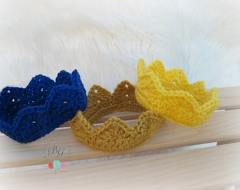 Ready to ship-Newborn Crown Boy or Girl Crochet Photo Prop- first pictures- royalty- princess-prince- King  Newborn gift