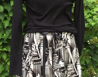 Gotham! Metropolis! NYC! Skyline-Aline Skirt