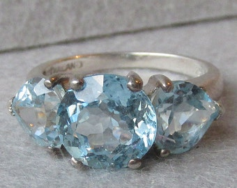Round & Heart Cut Blue Topaz Sterling Silver Vintage Ring, Size 7