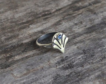 Silver ring vith natural sapphire,sterling silver ring,handmade sterling silver ring.