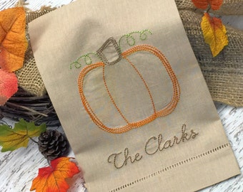 Linen Thanksgiving guest towel, Personalized towel, Personalized linen towel, Pumpkin embroidered towel, Fall guest towel, Monogrammed towel