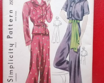 UNUSED and FF Pattern Pieces Vintage Simplicity Pattern  2509 Bust 32 Hip 35 Two Piece Pyjamas and Bolero