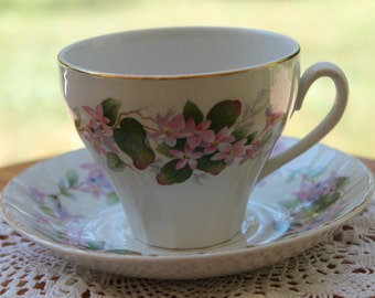 "RIDGWAY Teacup and Saucer set ""Mayflowers"""