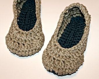 organic cotton crochet slippers, size womens medium 7-8