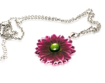 Chrysanthemum necklace. Comes in a gift box.