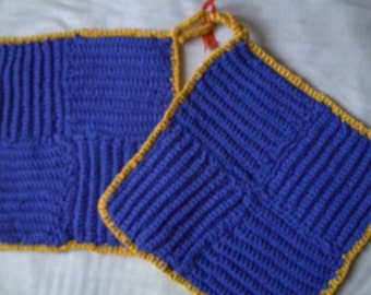 Oven mitts blue