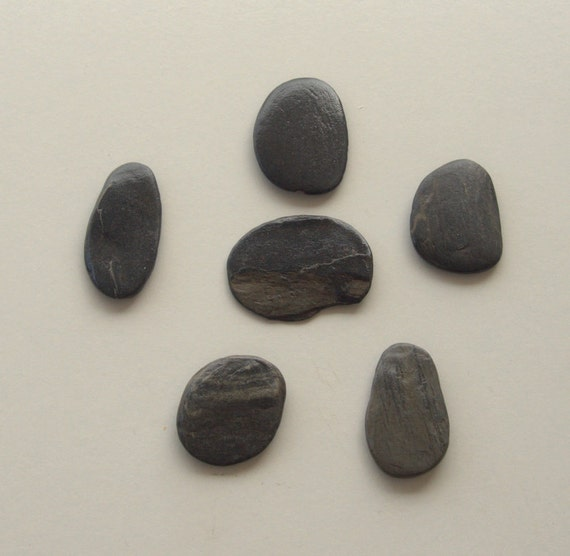 6 large flat anthracite pebbles beach stones craft for Flat stones for crafts