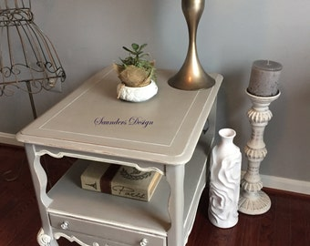 Shabby Chic French Provincial Hammary End/Side Cottage Chic Accent Table