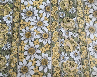 Vintage Metallic Silver and Yellow Floral Wallpaper