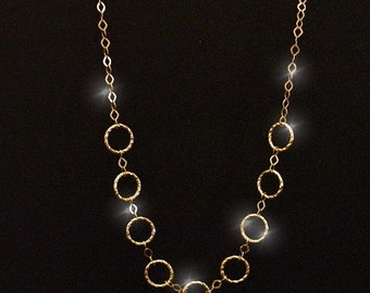 14k Yellow Gold Modern Hammered Circle 18 Inch Cable Chain Necklace