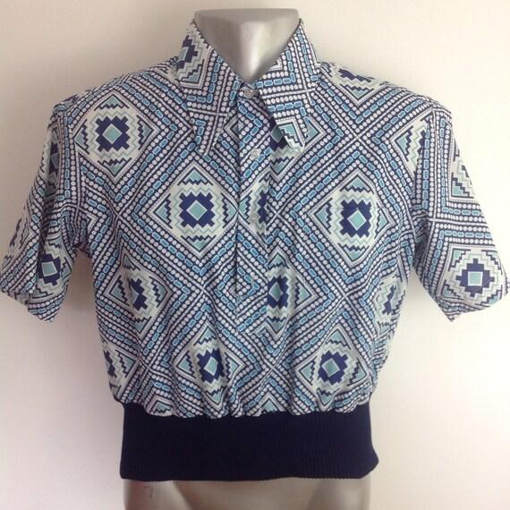Vintage menswear 1970s shirt dagger collar disco top short ribbed waistband Marlboro jazzy print small