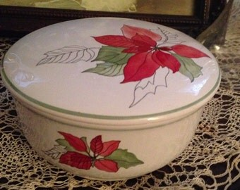 Block Bernada Pointsettia Round Trinket Box