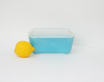 Vintage Pyrex Turquoise Refrigerator Dish With Lid Medium 502 - B  502-C