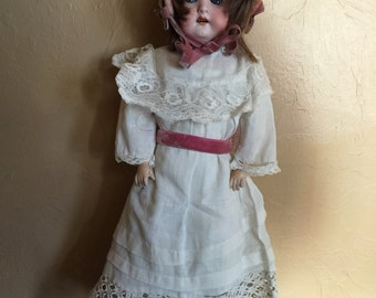 "Heubach Kopplesdorf Doll 15"""