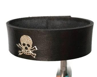 Skull bracelet, genuine leather black leather skull bracelet cuff wristband.  skull arm band.