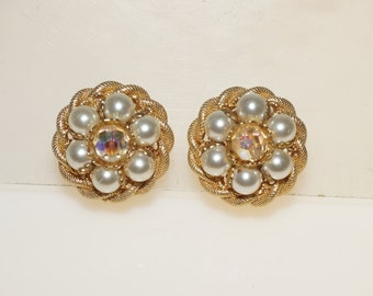 Chunky Vintage Cream Lucite Pearl Crystal Bead Gold Tone Clip on Earrings