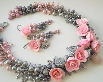 Earrings and necklace with roses and pearls
