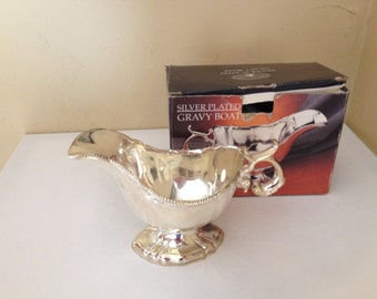 Vintage Silver Plated Footed Gravy Boat - Paul Revere Silversmiths- Great condition