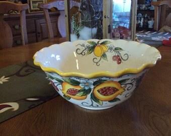Beautiful 12-Inch, Hand-Painted Fruttiera Bowl