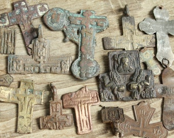 archaeological finds / Lot of 14 antique crosses and parts of crosses / antique cross / digging found objects / antique jewelry