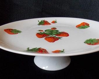 Georges Briard Strawberries Pedestal Cake Plate / Cake Stand / Cupcake Stand / Dessert Tray / Cookie Plate / Serveware / Cottage Chic