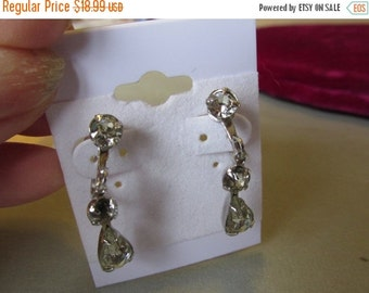 Vintage Earrings, Crystal Screw Back Earrings, Three Crystals, Tear Drop, Collectible Jewelry