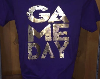 GAMEDAY v-neck adult and youth