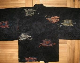HAORI SILK URUSHI Vintage Japanese Haori Jacket Woven Urushi Flower Raft 1 Mon Black Silk Haori Kimono Jacket Vintage Japanese Silk Haori