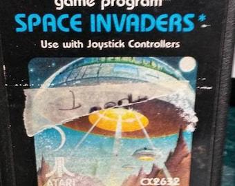 vintage ATARI SPACE INVADERS game used