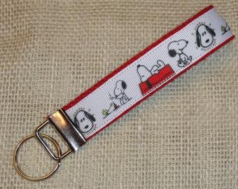 Snoopy Key Fob Wristlet - Peanuts Key Fob Wristlet Keychain