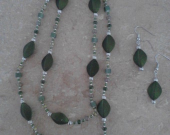 Forest Green Necklace & Earring Set