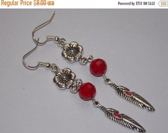 25%OFF Red Feather and Flower Dangle Earrings