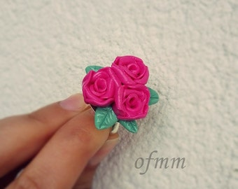 Roses bunch ring