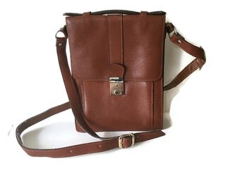 Vintage leather purse // tan leather handbag // smart small leather satchel // 90s leather purse // shoulder bag // boho leather bag