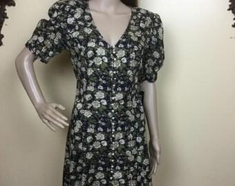 ON SALE 90s  floral dress, babydoll dress, 1990s ditzy daisy skater 90s floral dress S M