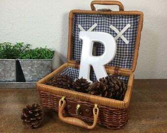 Wicker Picnic Basket *FREE SHIPPING* Medium Vintage Picnic Basket