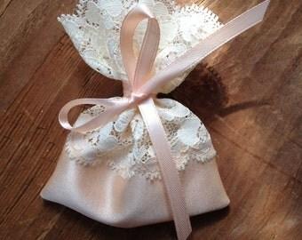 jewelry favor pouch, lace favor bag, italian wedding favors, baptism favors, jordan almond favor bag, party favor bags