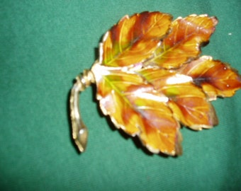 Old Weiss Enamel Fall Leaf Pin Large Designer Autumn Brooch