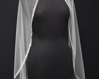 Organza trim veil, Fingertip veil, Single trim veil, Ivory organza trim veil, Bridal Veil, Bridal Accessories.